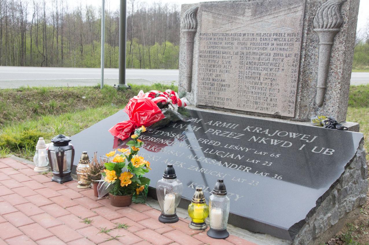 Pomnik we wsi Tartak przypomina o wydarzeniu 8 kwietnia 1944 r.